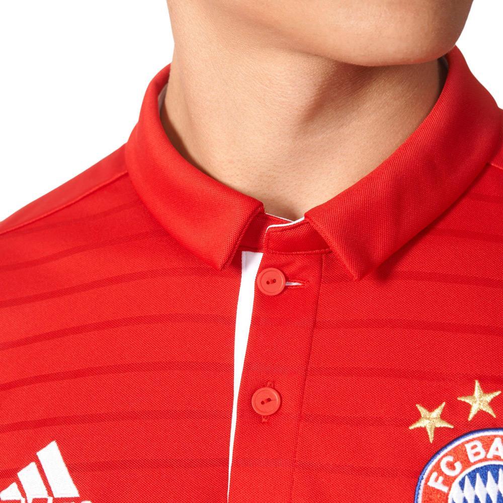 Adidas lança linha inspirada nos anos 90 para o Bayern de