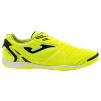 joma-dribling-in-indoor-football-shoes